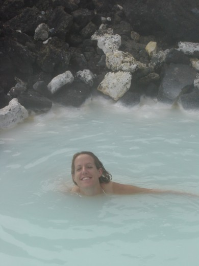Robin swimming in the Blue Lagoon