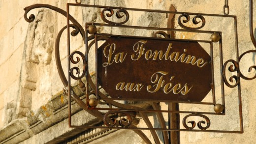 Shopkeeper's sign in Les Baux de Provence