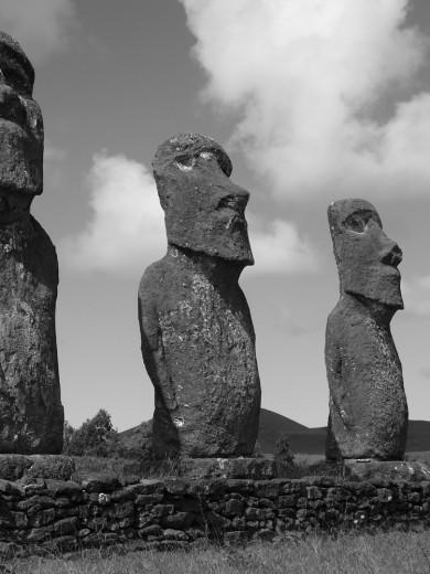 "3 of the ""7 Moai"""