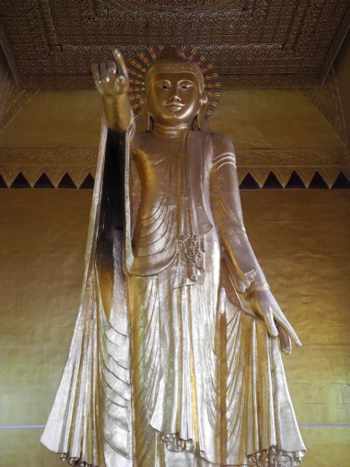 Buddha points the way to Mandalay.