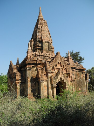 One of Old Bagan's more generic temples.